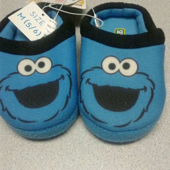 f0aefb1c8d8 Cookie Monster Slippers kids 5 6
